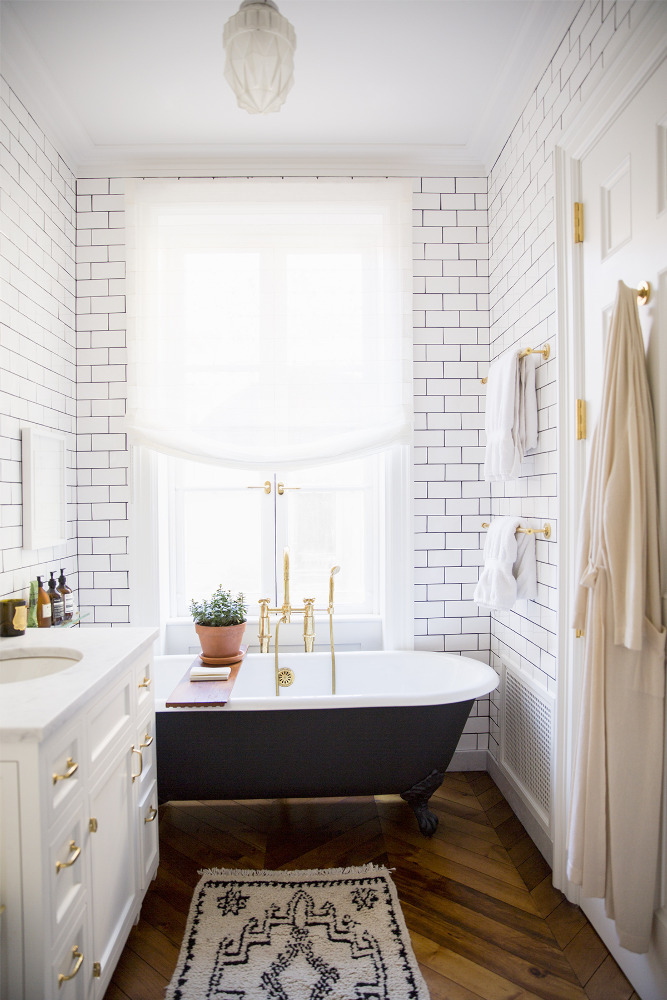 Small and Functional Bathroom Design Ideas